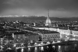 10 - La classica vista sulla Mole Antonelliana dal Monte dei Cappuccini
