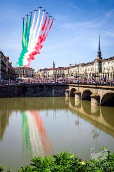 28 - Le Frecce Tricolori su Piazza Vittorio (25 maggio 2020)