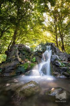 13 - Una cascata al Parco del Valentino