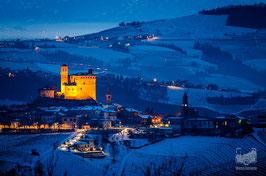 13 - Il Castello di Serralunga d'Alba e le colline innevate
