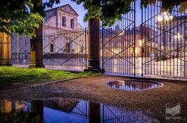 19 - Piazza San Giovanni e il Duomo sotto la pioggia