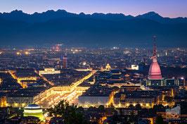 03 - Panorama su Piazza Vittorio dalla collina al crepuscolo
