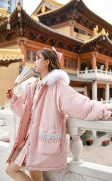 ☆.  チャイナ風アウター 刺繍 ピンク ふわふわ かわいい ゆったりシルエット 京劇イラスト 中華ふさ付き