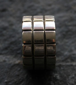 "Ring ""Chess"""