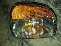 Ford F7UB-13216-AB LH Right Parking Turn Signal Lamp Light