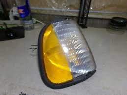 Ford F7UB-13216-AB LH Left Parking Turn Signal Lamp Light