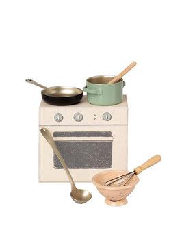 Zubehör Ofen mit Miniatur Kochgeschirr (Maileg) HERD