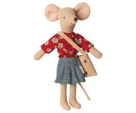 Mäusemama (Maileg) mit Käsetasche und Outfit