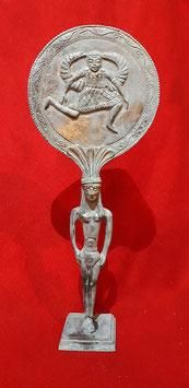 Specchio etrusco con rilievi