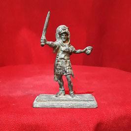Gladiatore con pelliccia e spada