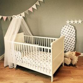 Bett-Set Sterne/Punkte weiß (Nestchen, Bettwäsche, Betthimmel) für alle Babybetten