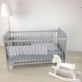 Puckdaddy Babybett grau 140x70cm, auch als Kinderbett nutzbar