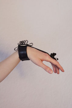 SUBFUSCUS Hand Jewellery