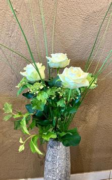 Rosen langstielig ausgarniert