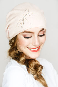 LOUISE – Beanie in puder