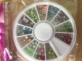 Wieltje gekleurde studs