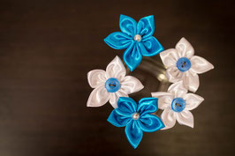 Collection Aude. Epingles à chignon mariée fleurs en tissu turquoises et blanches