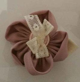 Collection Shabby chic – Boutonnière cortège en fleurs en tissu