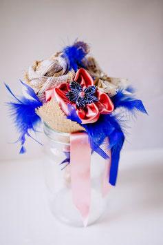Collection Céline, rose et bleu – Bouquet demoiselle d'honneur en fleurs en tissu, toile de jute et origami papier à musique, rose et bleu