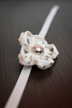 Collection Hiver – Bracelet fleur en tissu