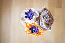 Collection Julia, orange et violet – Mini bouquet (lancer ou demoiselle d'honneur) rustique en fleurs en tissu et toile de jute
