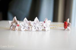 Collection Marion. Epingles à chignon  fleur en tissu argenté
