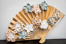 Collection Or, menthe et rose poudré – Eventail floral, fleurs en tissu