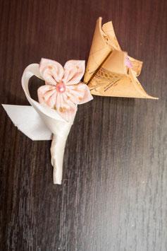 Collection Or, menthe et rose poudré – Boutonnière marié vintage en fleurs en tissu et origami rose poudré et or