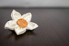 Collection Cindy. Barrette cortège en fleurs en tissu ivoire et marron