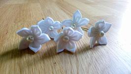 Collection Magali. Épingles à chignon en fleur en tissu blanc pour mariage naturel en coton blanc, toile de jute et origami papier kraft