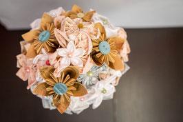 Collection Or, menthe et rose poudré – Bouquet de mariée vintage en fleurs en tissu et origami