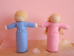 立ち人形カップル天然石付