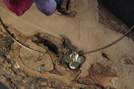 Kleiner Hortensien Anhänger Gold