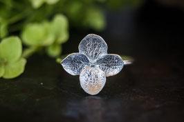 Neu Hortensien Ring mit einer Blüte