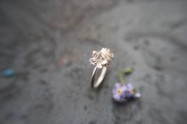 Vergissmeinnicht Ring mit mehreren Blüten