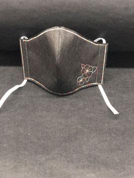 Alltagsmaske Stoff dunkelgrau innen & Vlies schwarz außen mit Blume