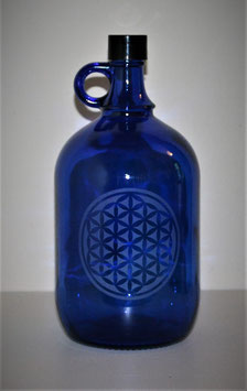 Bouteille en verre bleu cobalt 2 L gravée avec Fleur de vie (modèle 2)