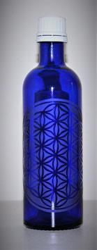 Flacon en verre bleu cobalt 0,2 L gravée avec Fleur de Vie (Modèle 4)