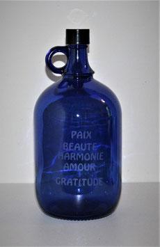 Bouteille en verre bleu cobalt 2 L gravée avec Mots Sacrés