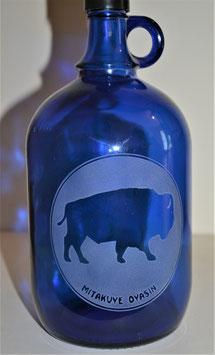 Bouteille en verre bleu cobalt 2L gravée avec Bison/Mitakuye Oyasin