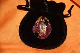 Das machtvolle Weltenlehrer Runen-Amulett