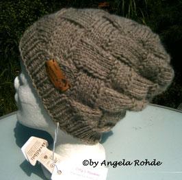 Lässige Mütze gestrickt aus 100% Wolle von Mondial Bio Lana,