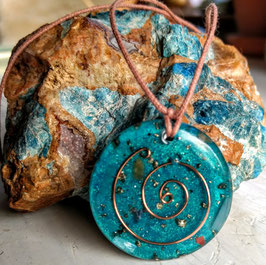 Turquoise healing crystal pendant nr. 2
