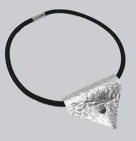 Modeschmuck Halskette Halsband mit Pinatex® genieteter Anhänger Kette mit Magnetverschluss silber oder schwarz