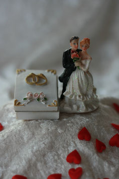 Brautpaar Figur Buch