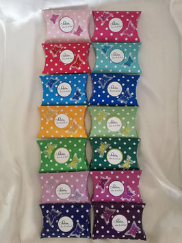 Unbefüllte Geschenkbox als Gastgeschenk, Punkte Schmetterlinge Farbwahl