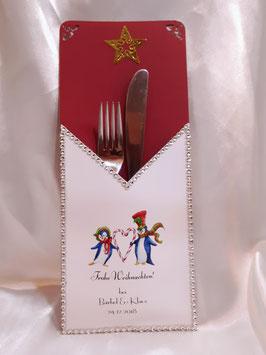 Bestecktasche personalisiert zu Weihnachten Tischdeko Pinguine mit Herz