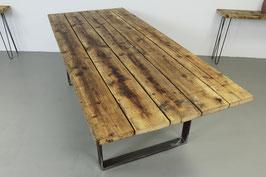 """Esstisch """"Rustic"""" aus alten Gerüstbohlen mit Tischgestell"""
