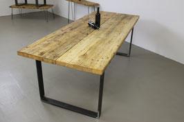 """Esstisch """"Gabor"""" aus alten Gerüstbohlen Recycling mit Tischgestell"""