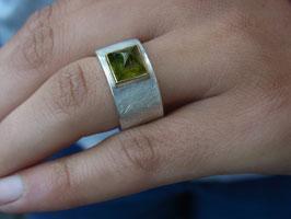 Ring Turmalincabochon grün